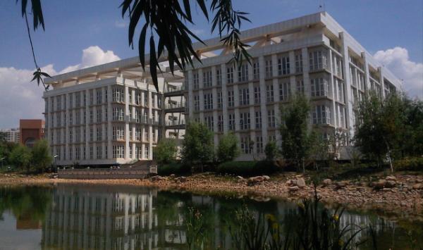 昆明医科大学校园风景 13768