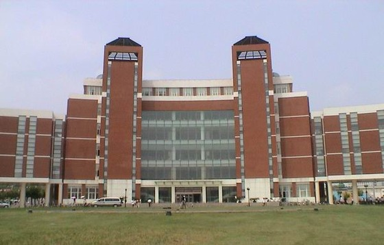大连海事大学校园风景(889)